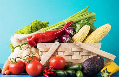 Verduras ecologicas en cesta grande